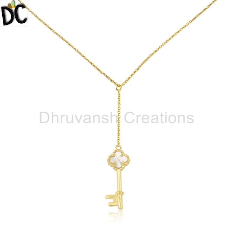 Gold Plated Silver New Designer Clover key Pendant Natural Pearl Gemstone Jewelry manufacturers